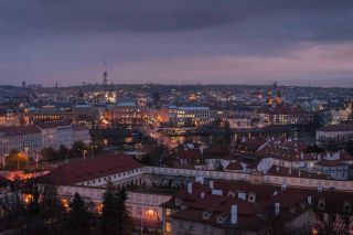 Se va haciendo de noche en Praga